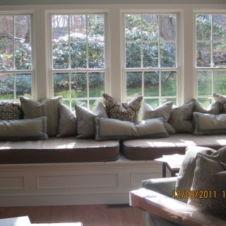 Bay Window Furniture Elegant Bay Window Seat with Misc Pillows and Cushions