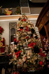 Beautiful Christmas Tree Lovely Red Gold Black and White Christmas Decor