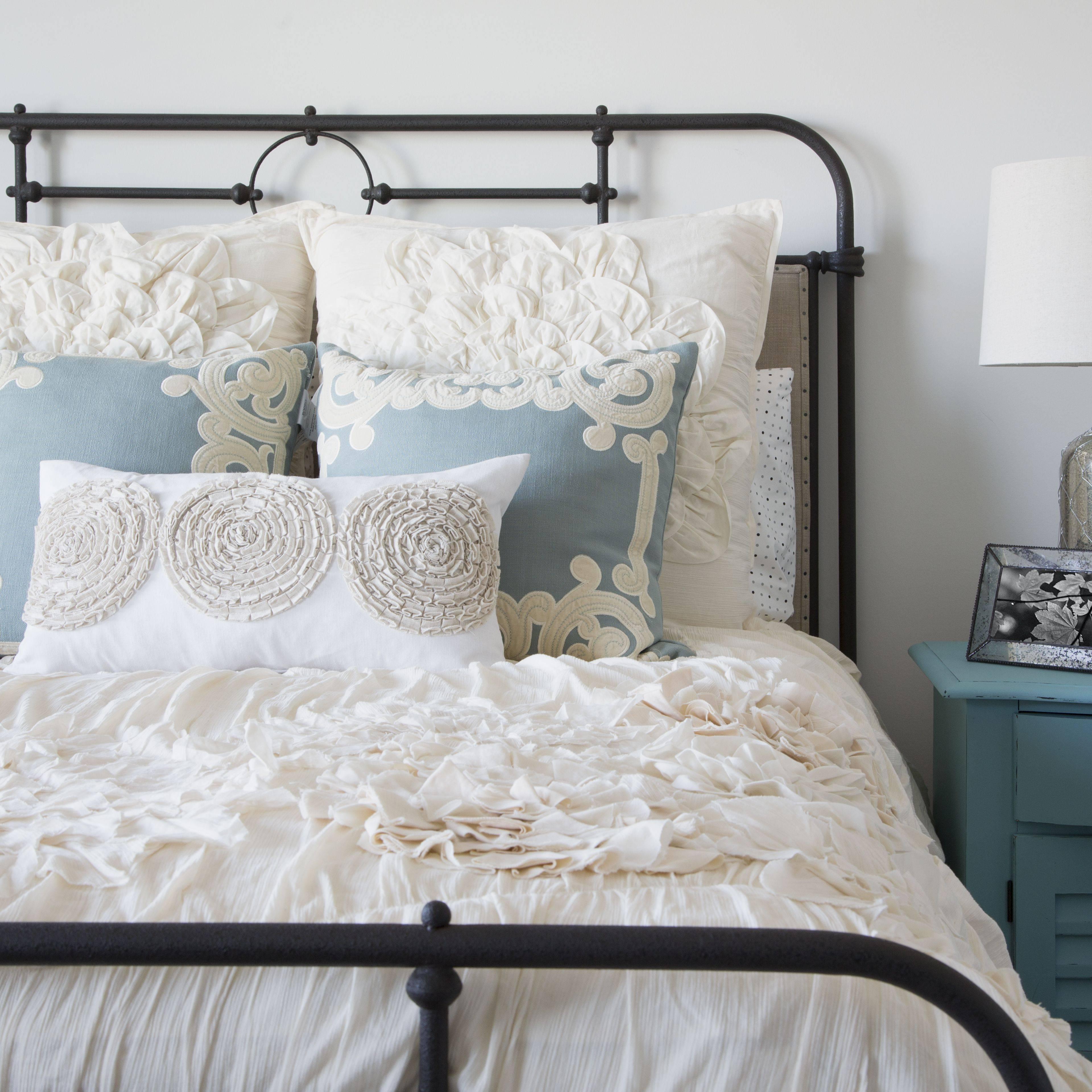 elegant bedroom 592d914c3df78cbe7e1aaa55