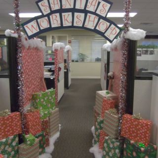 Christmas Decorations for Office Inspirational Christmas Decorations Can Boost Morale at the Office Leland