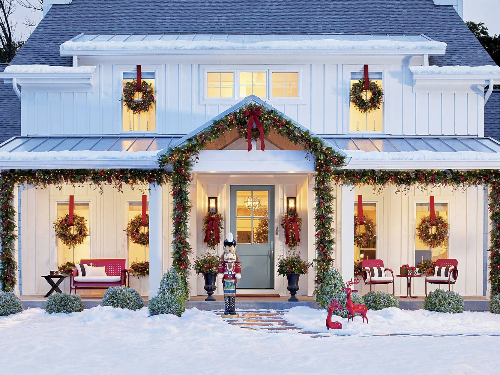 BLOG christmas modern farmhouse porch ideas