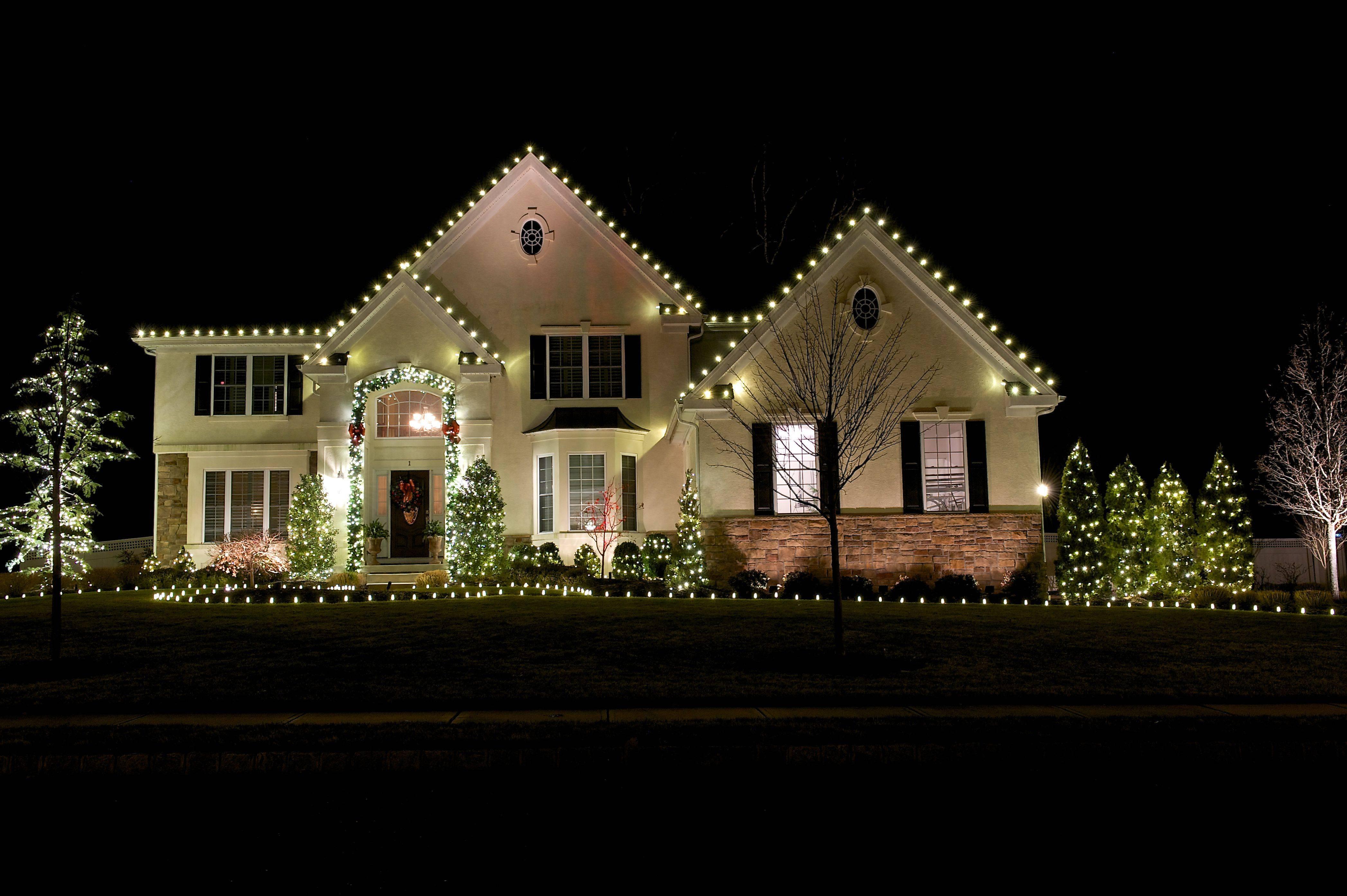 Outdoor Christmas 56aae0265f9b58b7d0090b53