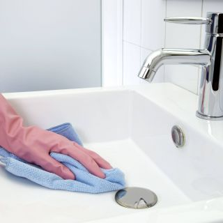 Cleaning Porcelain Shower Tile Awesome How to Remove Rust Stains From toilets Tubs and Sinks