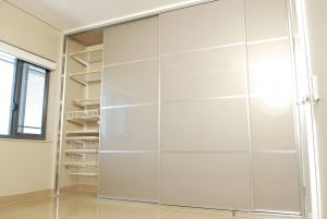 Contemporary Glass Doors Luxury Sliding Wardrobe Doors the Panel is Stylite Champagne