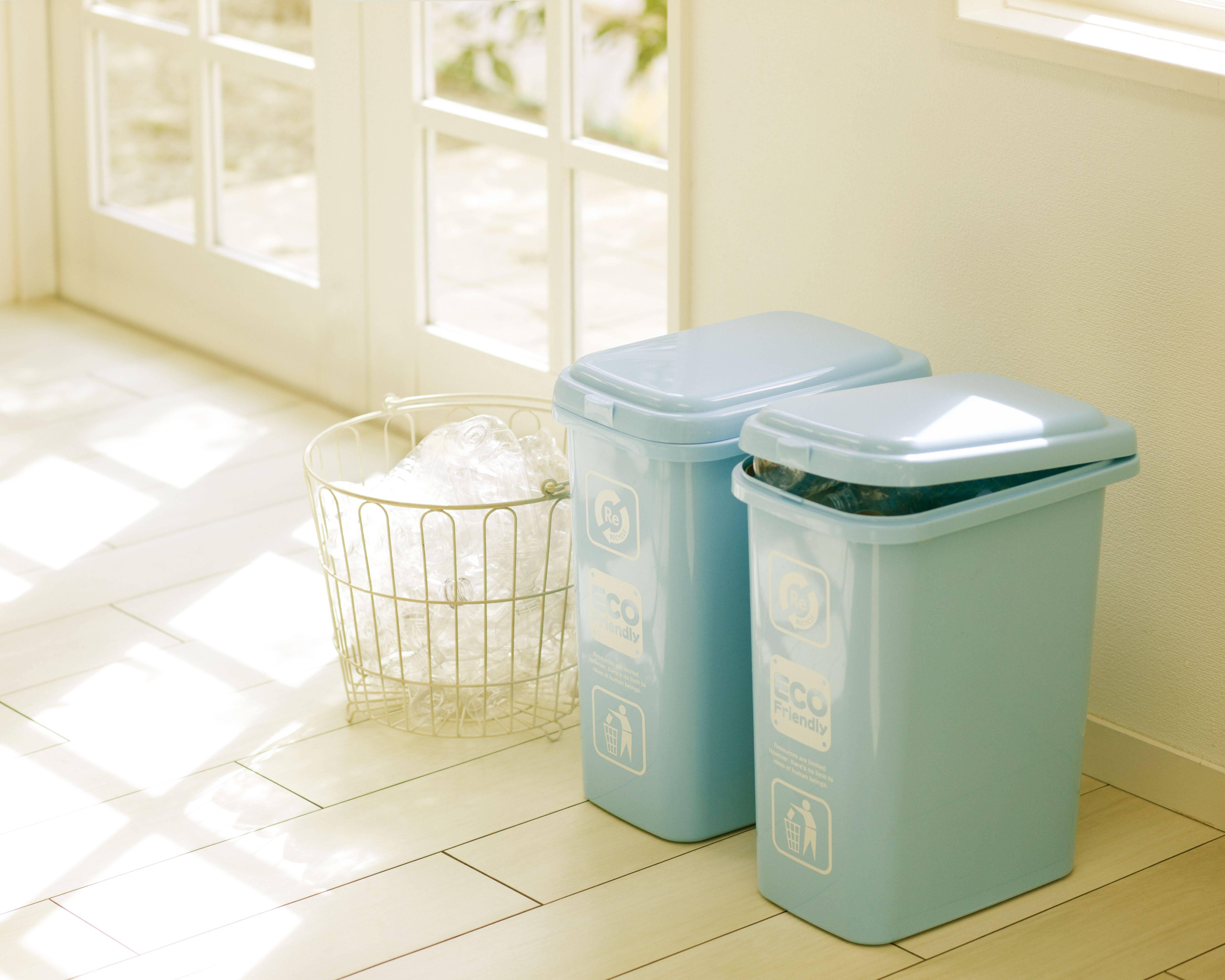 dustbin near door c5f9b584db