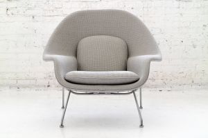 Eero Saarinen Womb Beautiful Eero Saarinen Womb Chair and Ottoman at 1stdibs