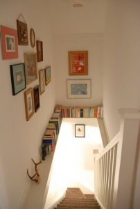 How to Make Use Of Space Under Stairs Elegant Stairwell Ledge