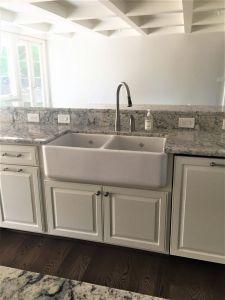Ice White Granite Fresh Apron Front Sink with White Ice Granite