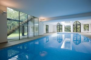 Indoor House Pools Luxury Modern Home Swimming Pool with Structurally Glazed Screens