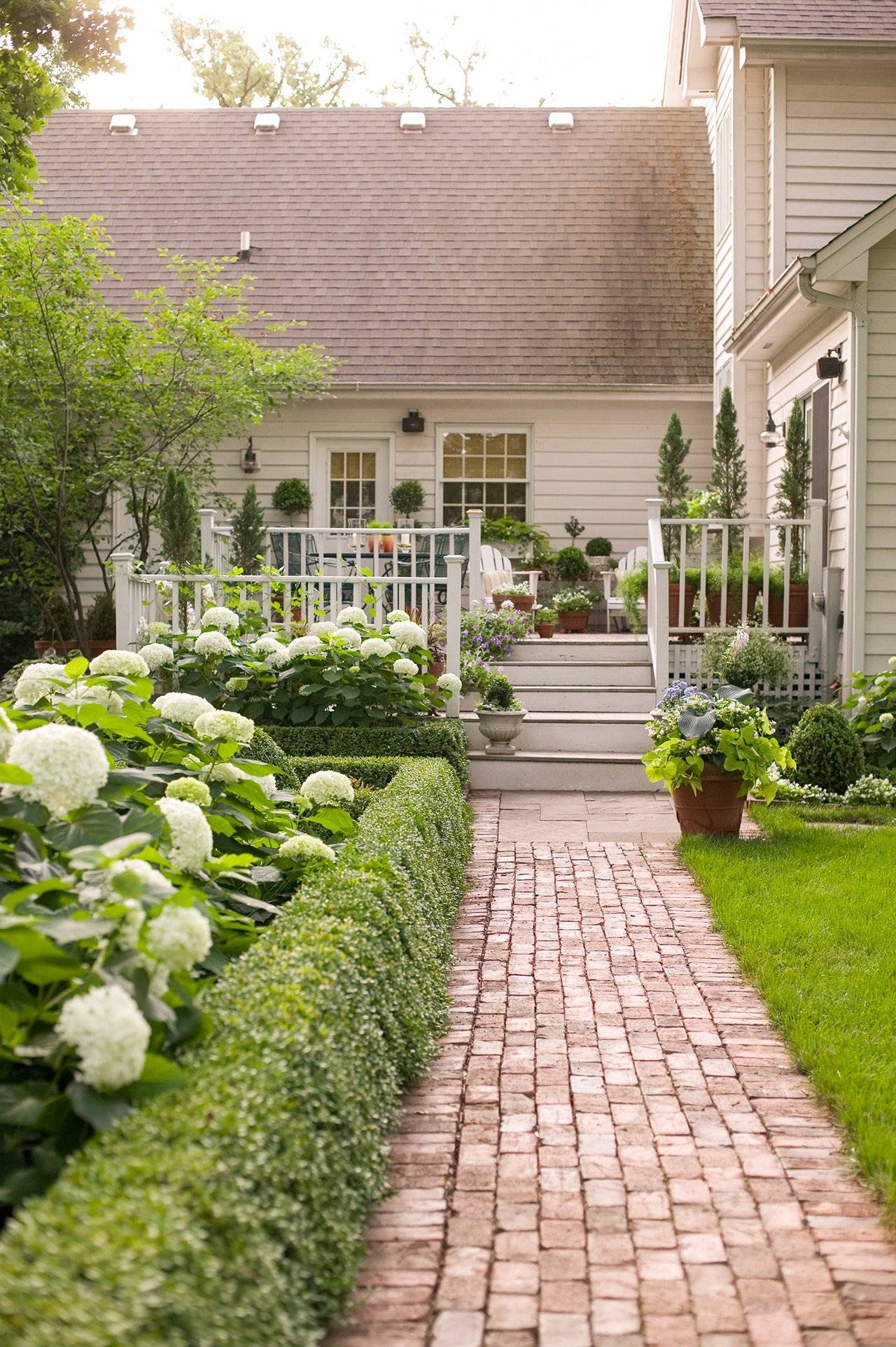 16 simple solutions for small space landscapes outdoor garden landscaping ideas maximize the impact of minimal yards with these yard and backyard
