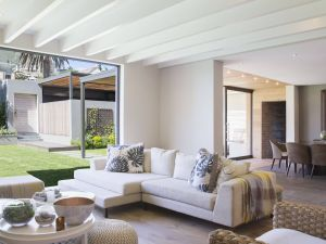 Living Room Ceiling Design Awesome the Basics Of Decorating In Contemporary Style