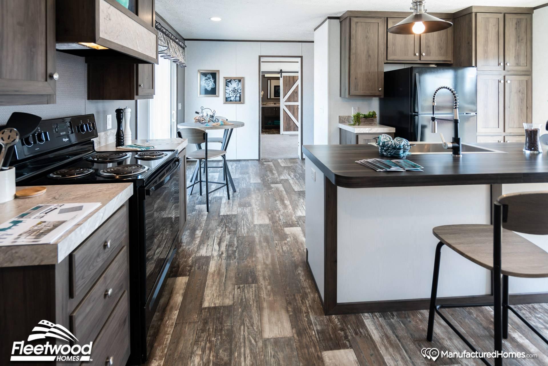 Sandalwood XL F kitchen 2