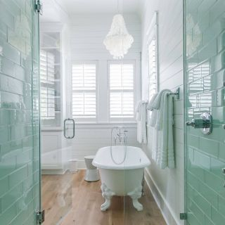 Master Bathroom Trends Inspirational Coastal Master Bathroom with White Oak Floors Claw Foot Tub