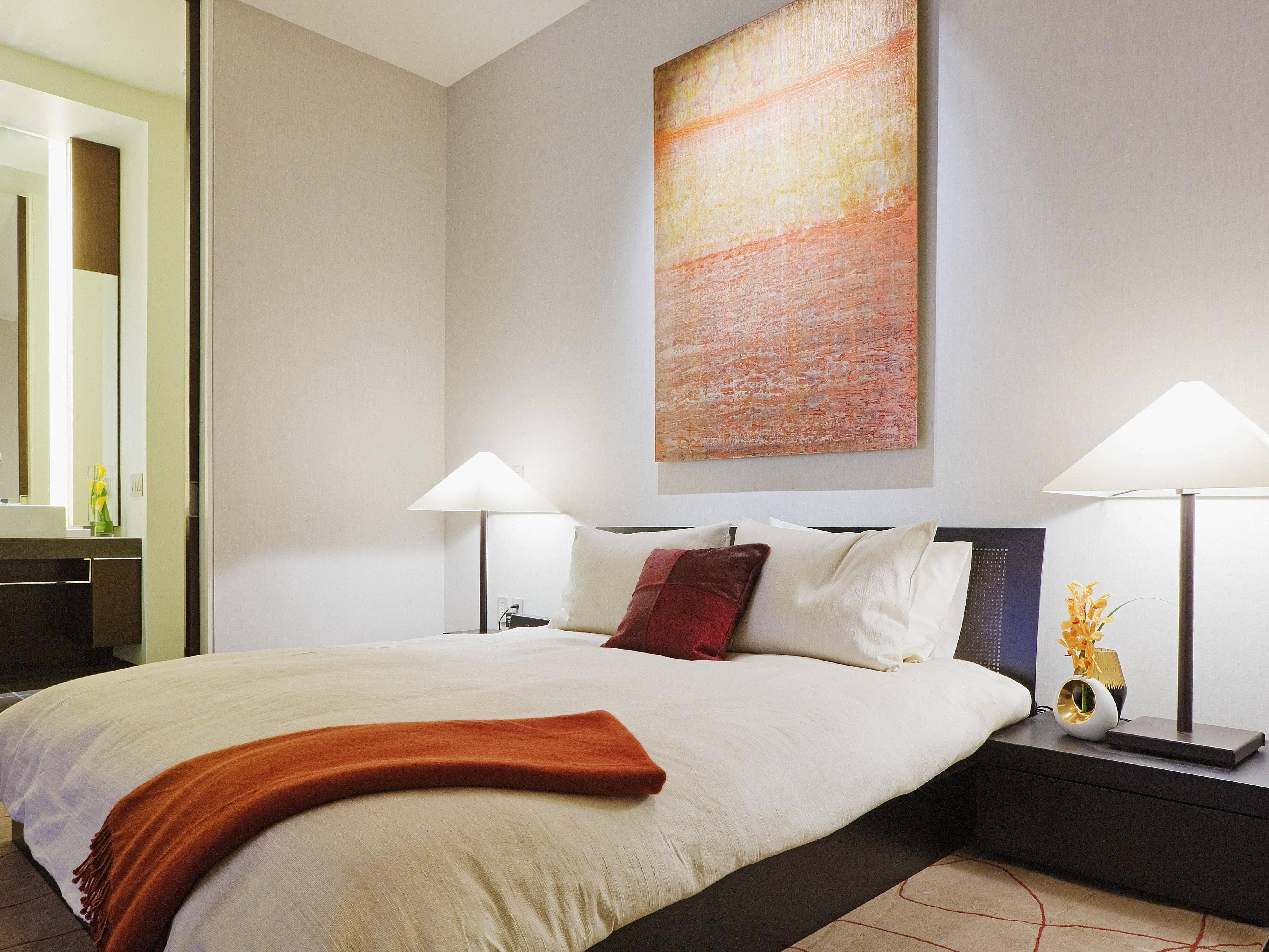 modern bedroom 58a6c2a93df78c345b349f2e