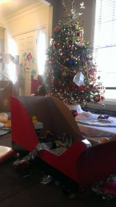 Santa Sleigh Yard Decoration Awesome Santa S Sleigh Ride On toy Made From Cardboard and A