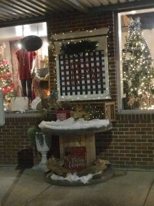 Shop Front Christmas Decorations Lovely Retail Boutique Outdoor Christmas Decor Frenzy