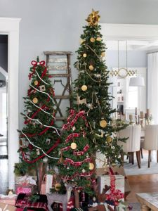 Small Decorated Christmas Trees Beautiful 31 Christmas Tree Ideas for Living Room with Farmhouse Style