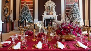 Small Decorative Christmas Plates Unique Holiday Entertaining and Decorating Tips From Carolyne Roehm