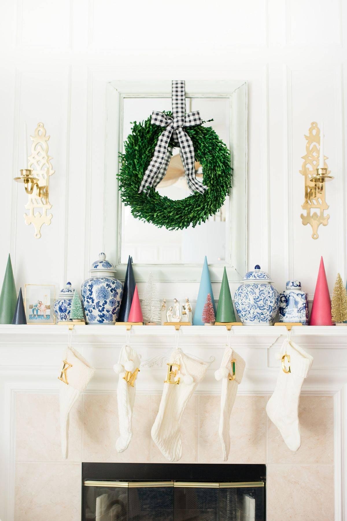 christmas mantel ideas sdpchristmas2018 61