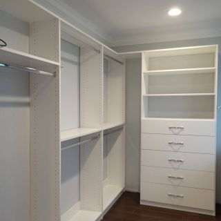 Walk In Closet Door Awesome Master Bedroom Suite with Walk In Closet Sherwin Williams