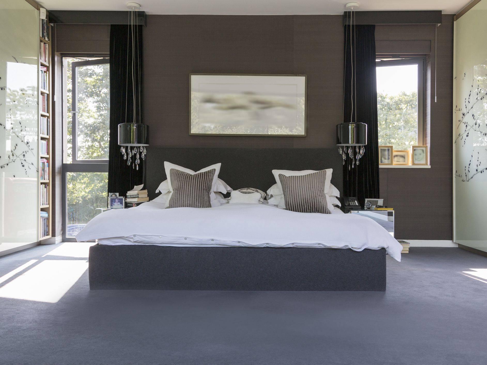 Romantic Bedroom Getty 578ea9fc5f9b584d