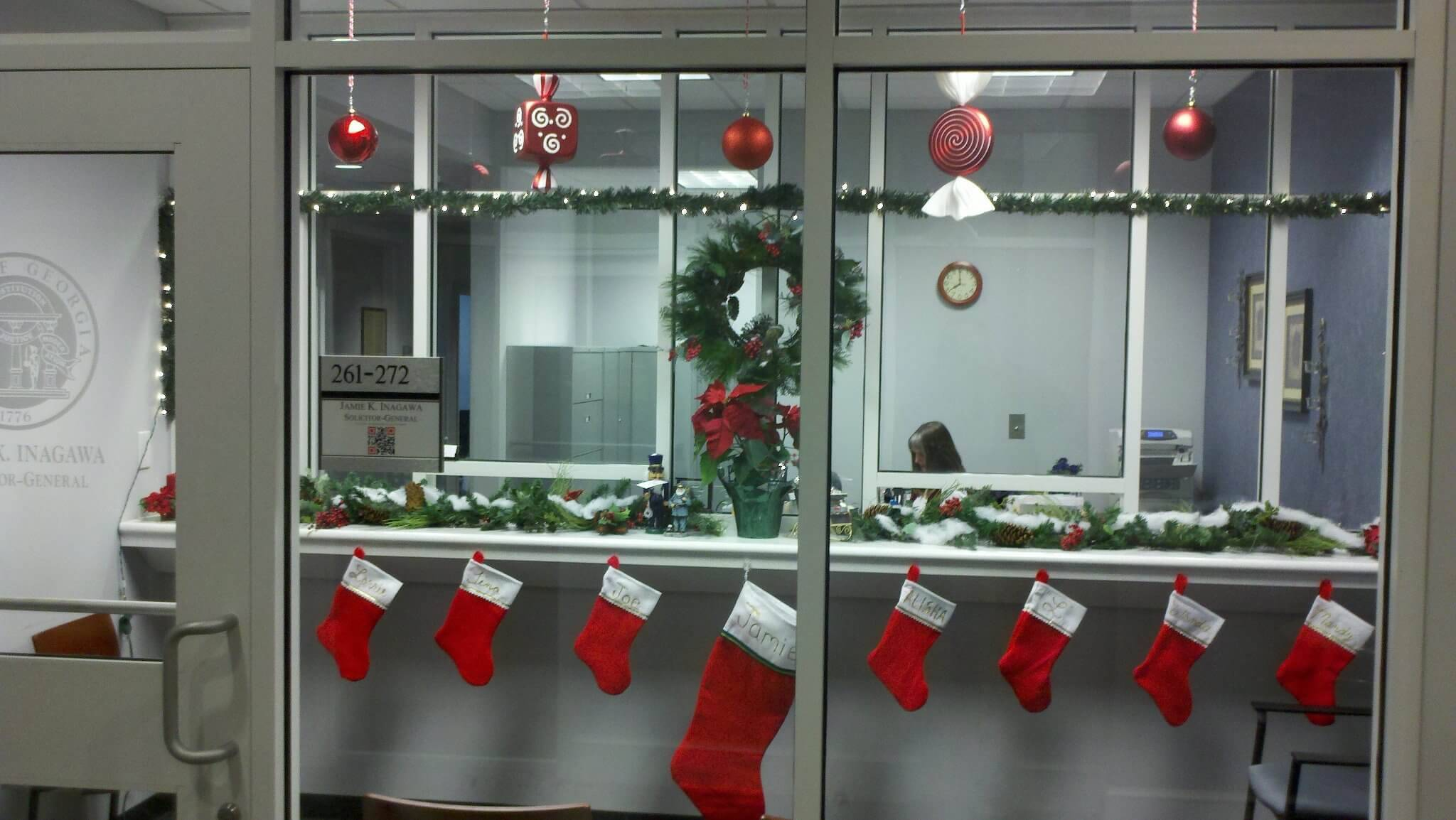 office christmas decorations 14