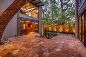 Mid Century Landscaping Beautiful A Rare Midcentury Modern Beauty In Old West Austin Hits the