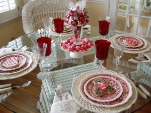 Decoration Dining Room for Romantic Valentine Day Inspirational A Valentine S Day Table Setting with A Sweet Centerpiece