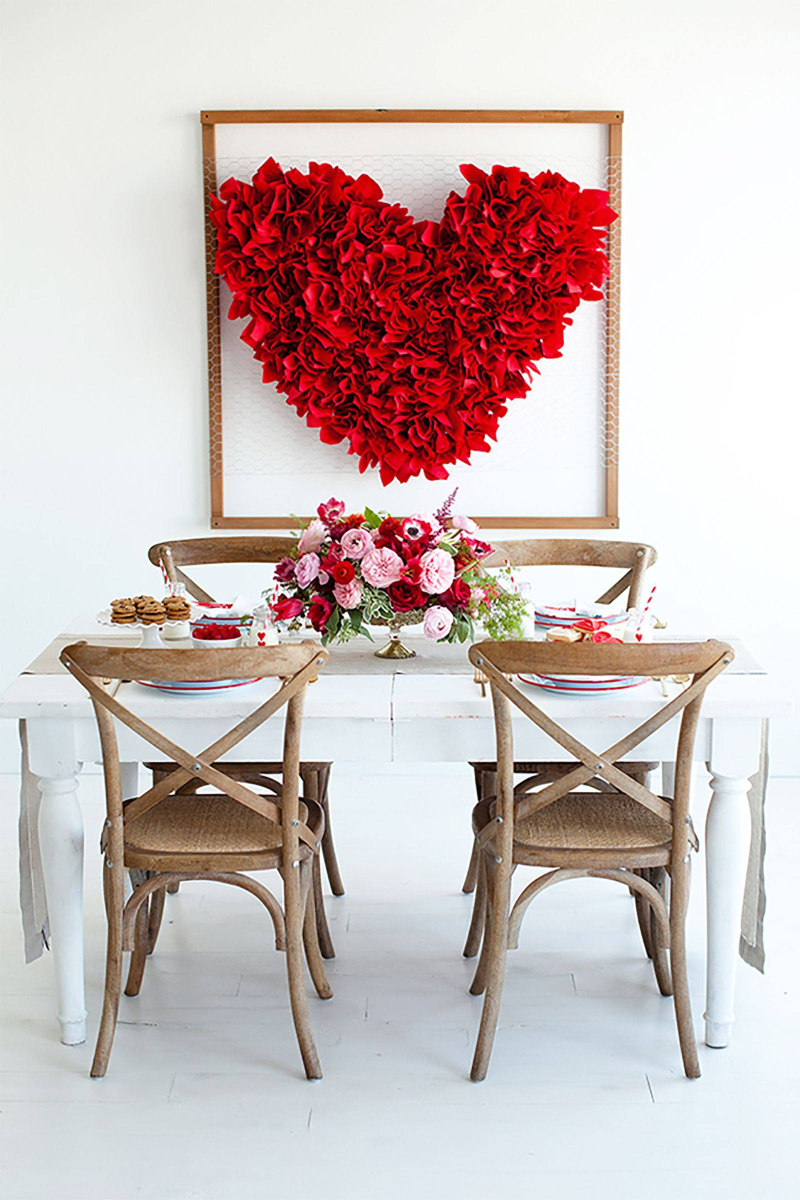 Plan the Perfect Valentines Day Dinner W These Fancy Table Settings 5
