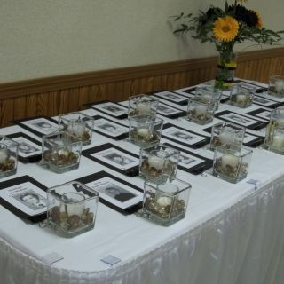 Fantastic Table Decoration Ideas Awesome Memorial Table at the Reunion