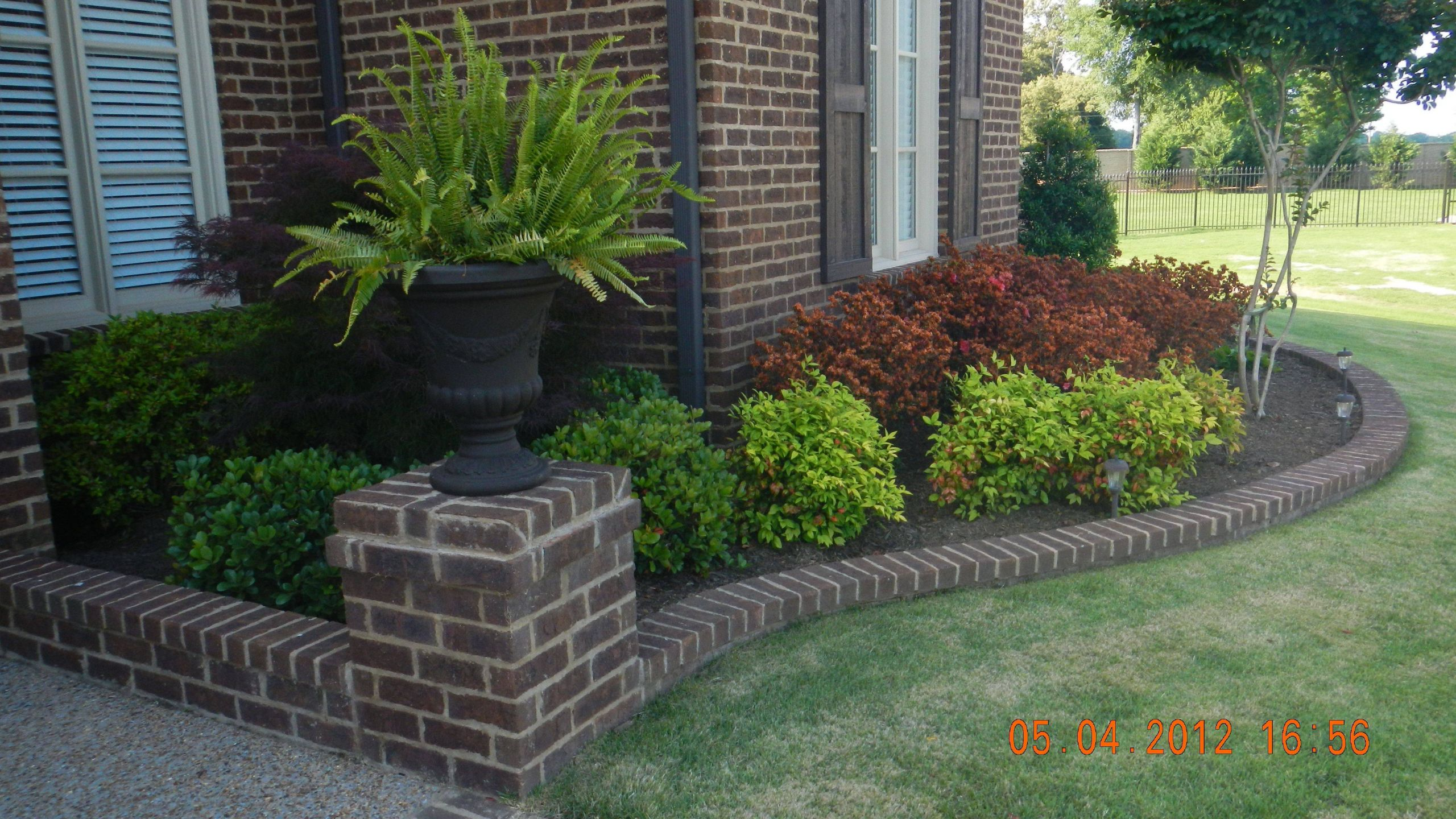 Remarkable Flower Bed Ideas Front Of House Awesome Cool Front Yard Low Maintenance Landscaping Ideas