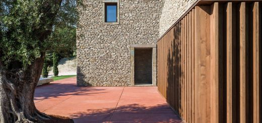 Incredible Modern Stone Houses Elegant A Modern Italian Stone House Ap House by Gga Architects
