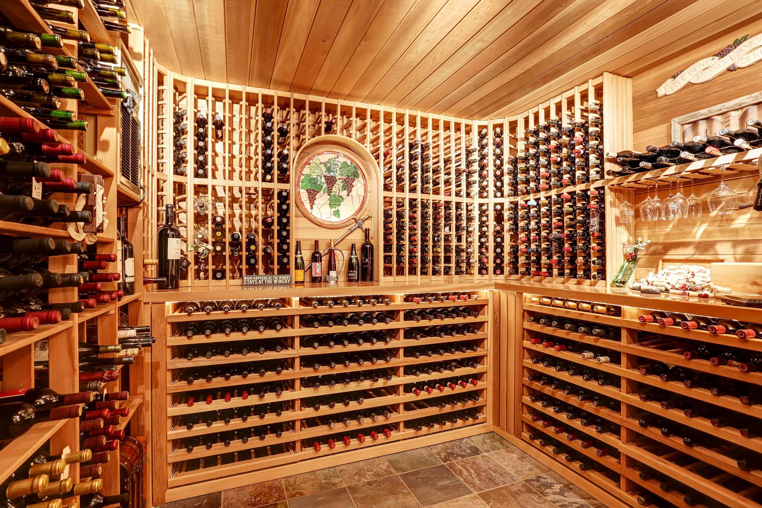 Wood Wine Cellar Back